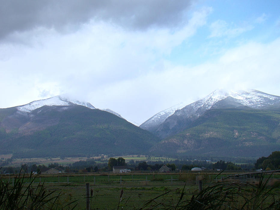 Click image for larger version  Name:10-01-13 view from back yard.jpg Views:299 Size:74.4 KB ID:1849