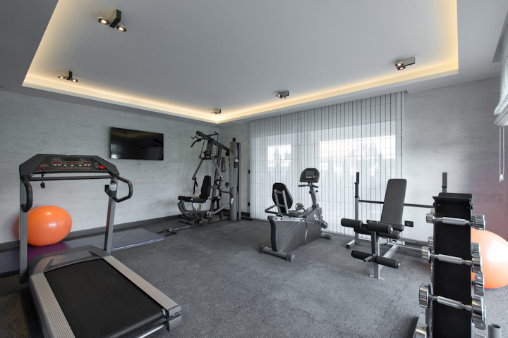 Click image for larger version  Name:home-gym-lge.jpg Views:65 Size:74.1 KB ID:10546